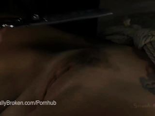 아름다운 아시아 인의 애니 크루즈가 거친 섹스에 복종