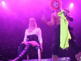 sexhibition oslo 노르웨이 norsk에서 무대에 노르웨이어 아가씨 모니카
