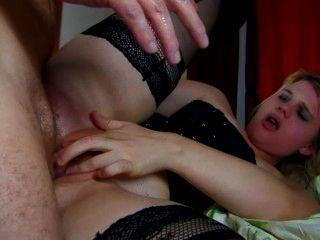 프랑스 camwhore 그녀의 엉덩이에 뚱뚱한 거시기 처벌되면