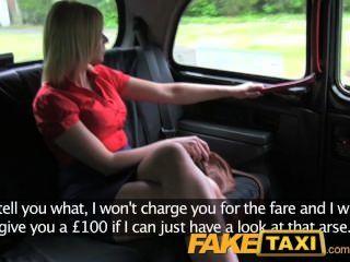 큰 가슴과 꽉 조이는 택시의 모험