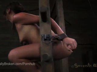 귀여운 빨간 머리 클레어 robbins 그녀의 목구멍과 거친와 uncontrollably cums