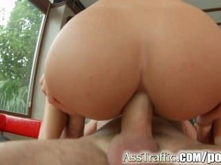 asstraffic 거대한 gapes와 정액 삼키기와 갈색 머리 항문 섹스