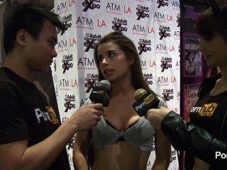 pornhubtv bunny 자유 인터뷰, 2014 년 AVN 시상식