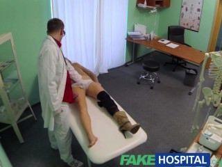 가짜 병원 의사가 항우울제를 거부하고 좋은 핥기를 처방합니다.
