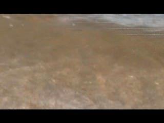 섹시한 사파이어로 누드 해변에서 즐거운 시간 보내세요.