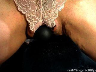 숙녀 팬티, 매우 젖은 \u0026 지저분한을 통해 milf 타기 바이브 \u0026 squirts!