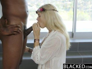 blacked 금발 패션 모델 addison 벨기에 squirts 거대한 검은 거시기에!