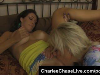찰리 체이스 큰 가슴 쟁이 키즈 풋내기 여동생과 누더기 핥기