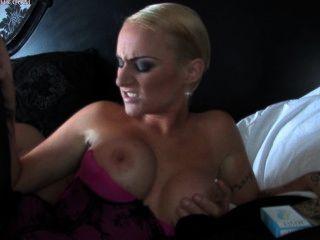 emma louise 흡연 섹스