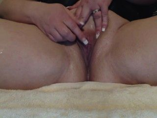 squirting milf squirts 19 times