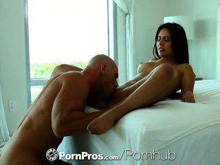 hd pornpros 섹시한 jynx 미로는 장난감으로 데워지며 엉덩이를 망 쳤어.