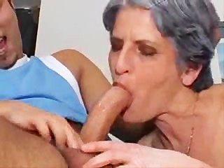 가난한 할머니가 부양해야합니다!