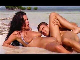 환상적인 숙녀 항문 해변 섹스