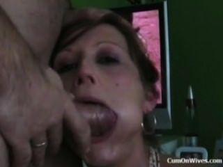 deepthroat 그리고 그녀는 제비