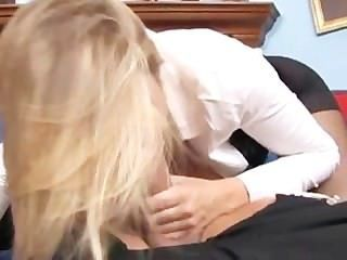 팬티 스타킹에 busty alanah rae fucking with crotch ripped out