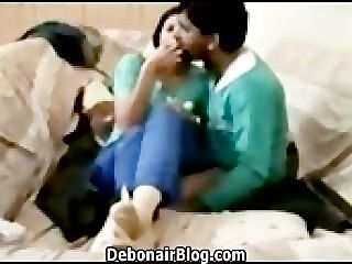 절망적 인 pakistani 소녀 키스하고 빌어 먹을 남자 친구 mms 2