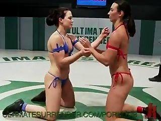2 강한 피트니스 모델 전투