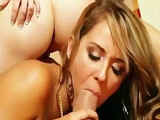 정말 흥분한 3 인 섹스