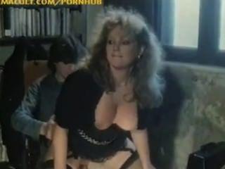 jojami의 마리나 로어 섹스 장면