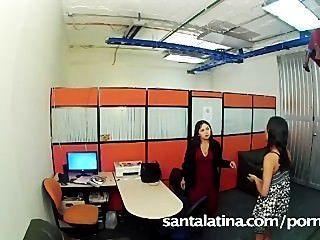 비서가 사무실에서 자위를했다.