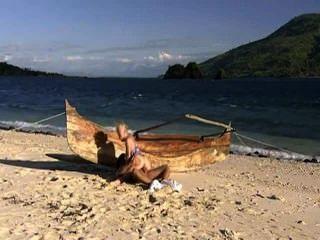뜨거운 아기는 해변과 거시기를 사랑해.
