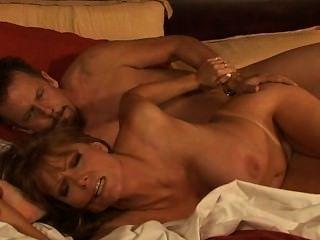 뜨거운 성숙한 부부 : 톰 바이런 섹스 busty milf darla crane