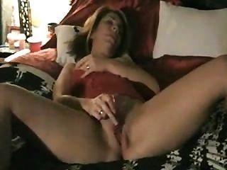 성숙한 아내가 딜도 라구 딜도와 놀고 그것을 테이프로