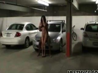 진짜 커플은 주차장에서 좆.