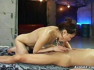 좋은 엉덩이와 귀여운 아시아 하이틴 하드 엿!
