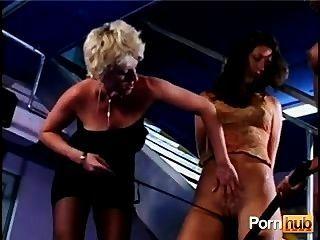 엄격한 엉덩이 백인 여자 파트 2