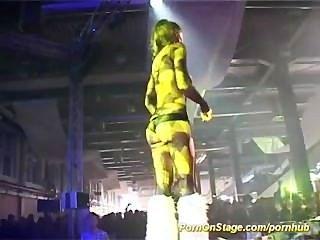 무대에서의 섹스 쇼