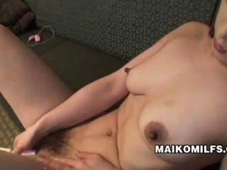 마이코 히로 타 섹스 굶주린 일본의 유부녀
