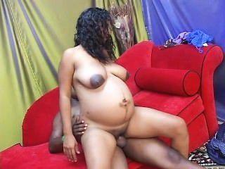 맨발과 임신 29 장면 2