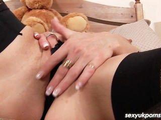 성숙한 영국 여배우 제인 채권 물건 그녀의 걔 집 애와 뚱뚱한 딜도 라구 딜도와 엉덩이