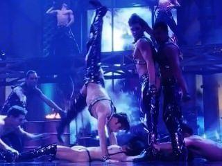지나 gershon 및 엘리자베스 barkley 누드 장면에서 showgirls