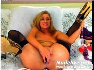 웹캠 자위 멋진 섹시한 사춘기 소녀와 멋진 몸매