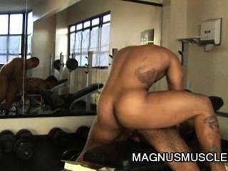 matheus axell 및 douglas masters bodybuilders 굉장한 동성애 항문 운동