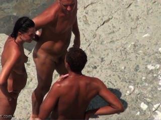 누드 해변에 spycam