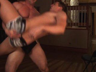 섹시 아빠와 그의 소년 장난감 웹캠