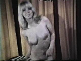 소프트 코어 누드 590 1970 년대 장면 3