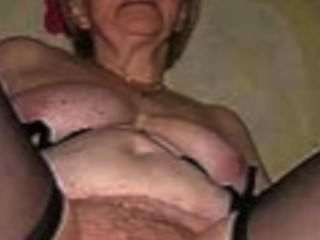 허황한 할머니를 satyriasiss에 의해 좋은 무언가로 만들어라.