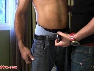 라틴 남자 바이 라티노