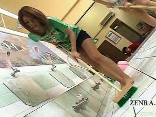 자막이있는 일본 av 스타 듀오 목욕탕 벗고 청소