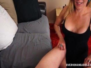 섹시한 아가씨는이 큰 찌름을 치다.