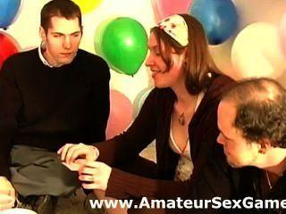 아마추어 그룹 섹스 게임에 대한 따뜻한 워밍업 비밀