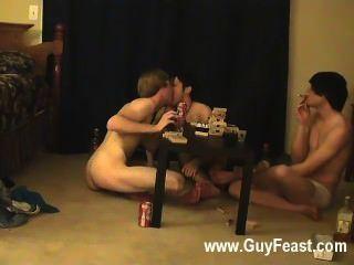 뜨거운 게이 섹스 추적과 윌리엄은 최근 동맹국과 함께