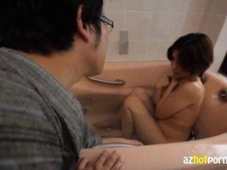 성적 욕망에 사용 된 아시아 아내