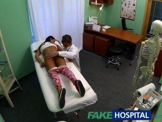 fakehospital 젊은 십대 소녀 피임 도구에 대한 의사가 cr 이상 굴절