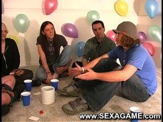 흥분한 학생 섹스 게임
