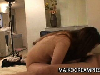ayako sakuma : 즙이 많은 일본인 아내가 남편을 속이고있다.